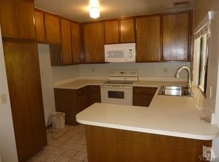 Saturn Dr. Camarillo Kitchen - Rent to Own Homes - Rentingalternatives.com