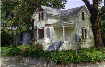 221 Grant Street, Healdsburg, CA
