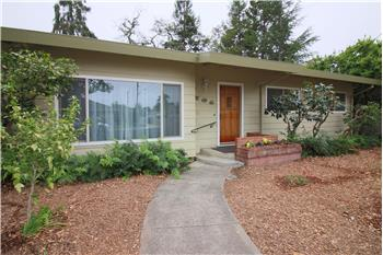 704 Bianca Lane, Healdsburg, CA