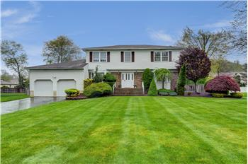 57 Thomas Drive, Manalapan, NJ