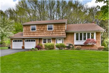 33 Canadian Woods Road, Marlboro, NJ