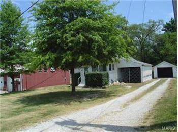 19 Neunaber St, Cottage Hills, IL