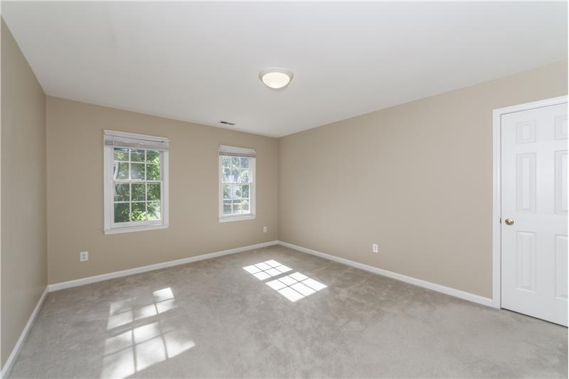 Large bedrooms (4)