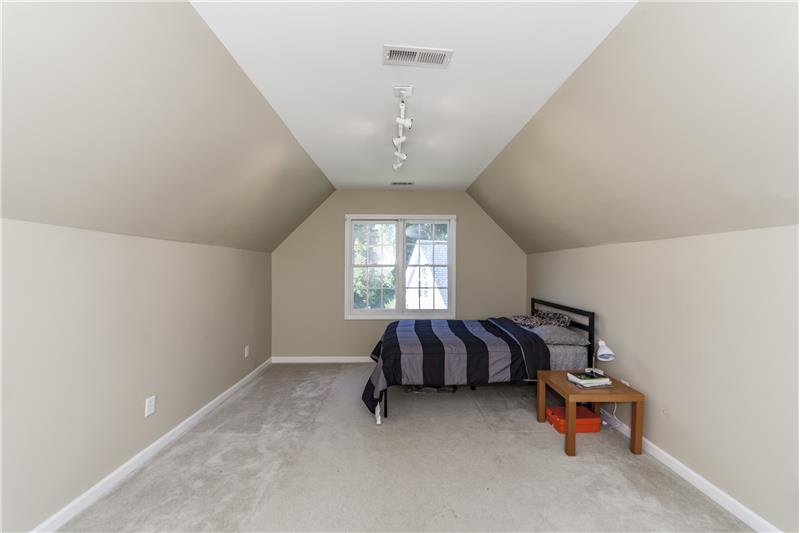 And another large bedroom (3)