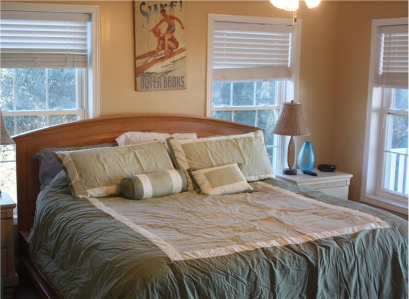 Mid-Level Master Bedroom