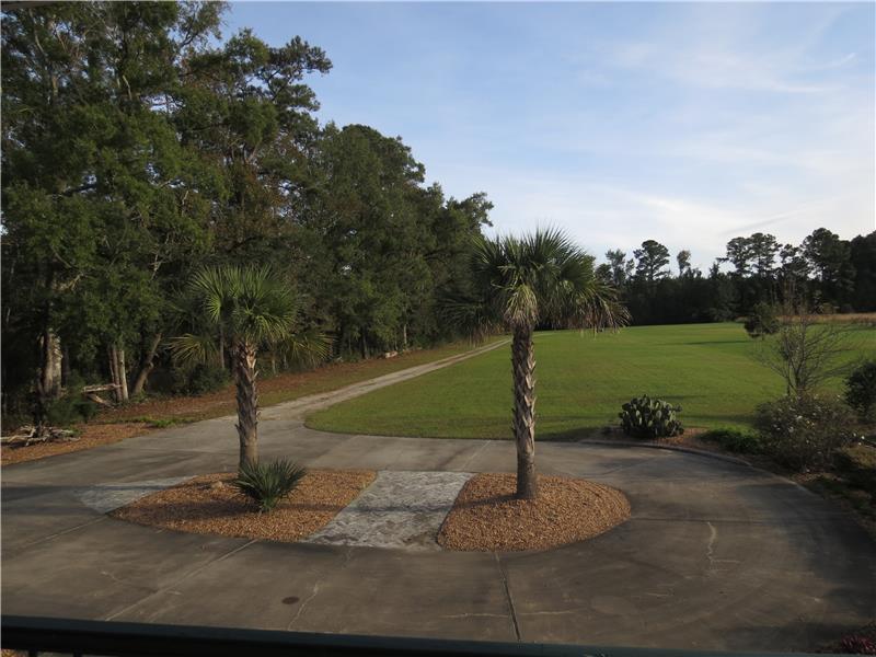 Circular driveway