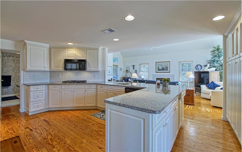 Ample Cabinetry & Granite Countertops
