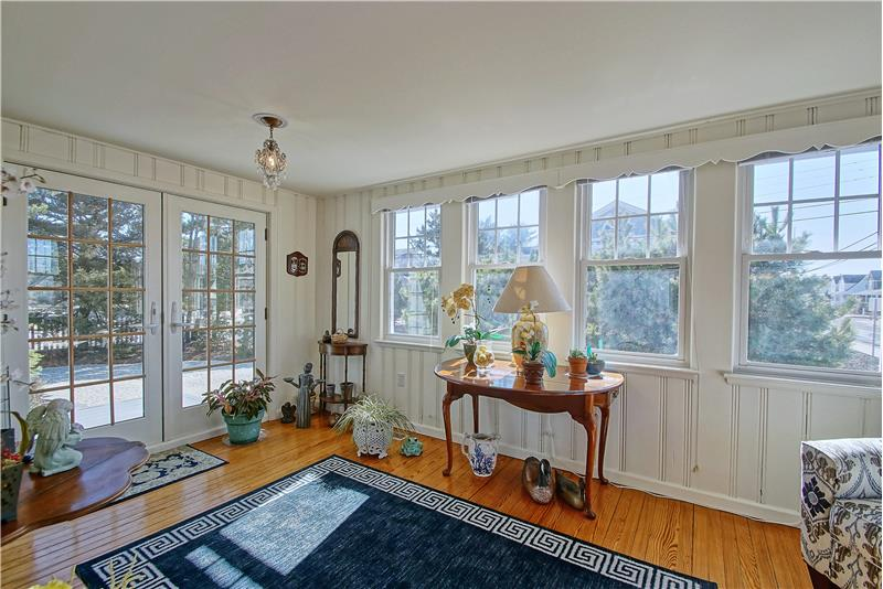 Side Entry to Sun Room