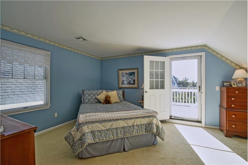 Bedroom 3 w/Decking
