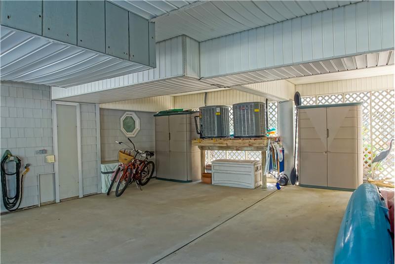 2 Rubbermaid Storage Bins