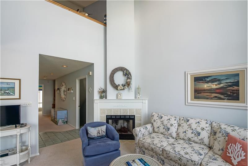 Fireplace w/Custom Mantle
