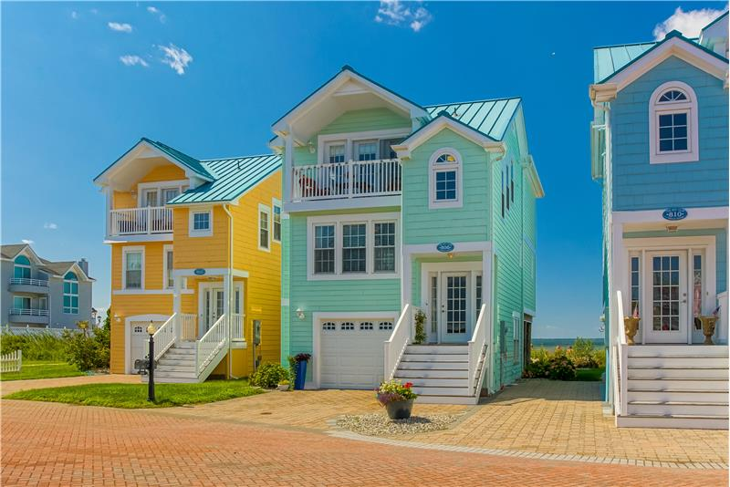 Picture Perfect Bayfront Townhome