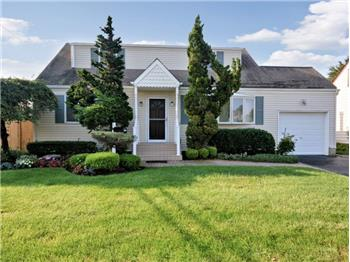 570 N. Suffolk Avenue, Massapequa, NY