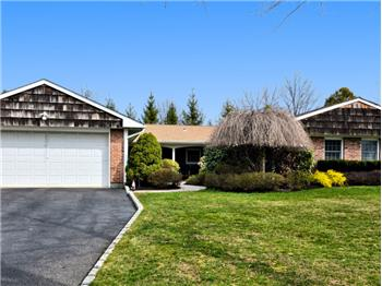 3 Pickwick Court, Stony Brook, NY