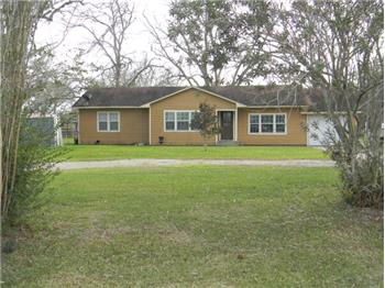 885 CR 442, Blessing, TX
