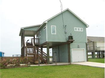 663 Intracoastal Dr, Sargent, TX