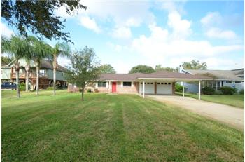 1652 CR 243, Bay City, TX