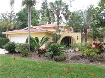 1550 Eastbrook Dr, Sarasota, FL