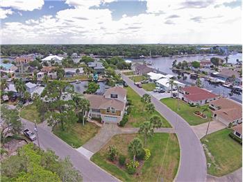 5040 Waterside Dr, Port Richey, FL