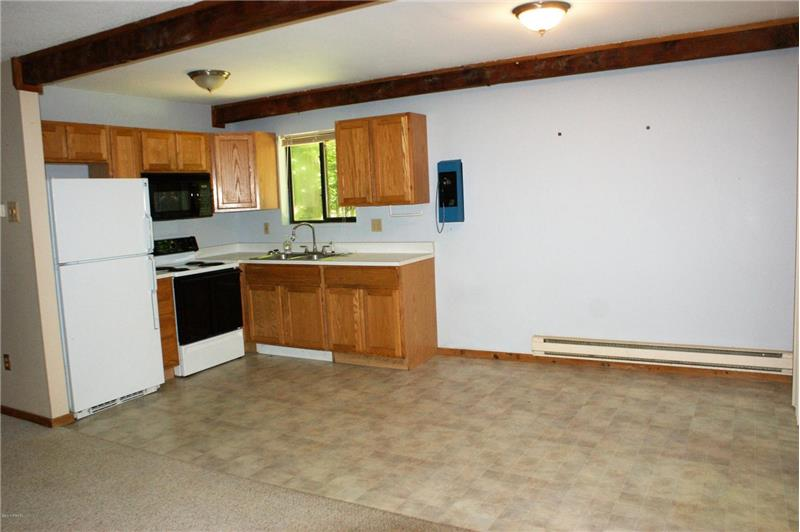 Kitchen/ Dining Area