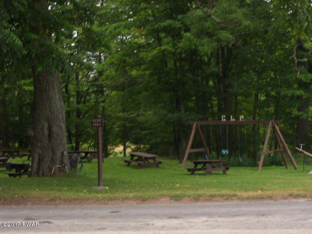 Cobb's Lake Preserve Playground