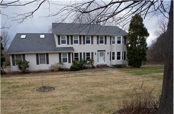 2 Lexington Drive, Brookfield, CT