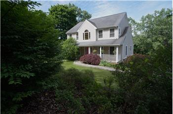 32 Pocono Ridge Road, Brookfield, CT