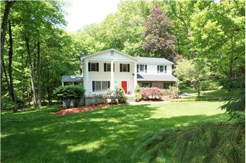 8 Westminster Rd, Danbury, CT