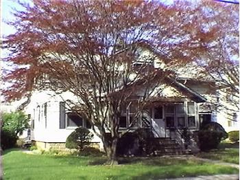 52 Locust Ave, Danbury, CT