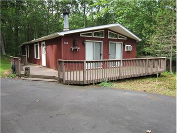 164 Pebble Rock Rd., Lackawaxen, PA