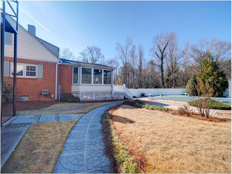 A Gorgeous Fuquay Varina Home for Sale on 7.17 Acres