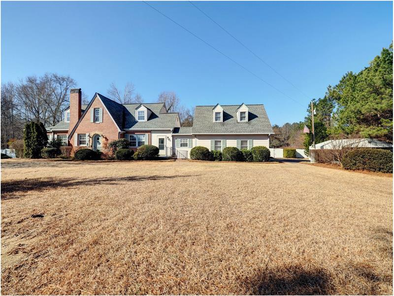 A Magnificient Fuquay Varina Home for Sale on 7.17 Acres