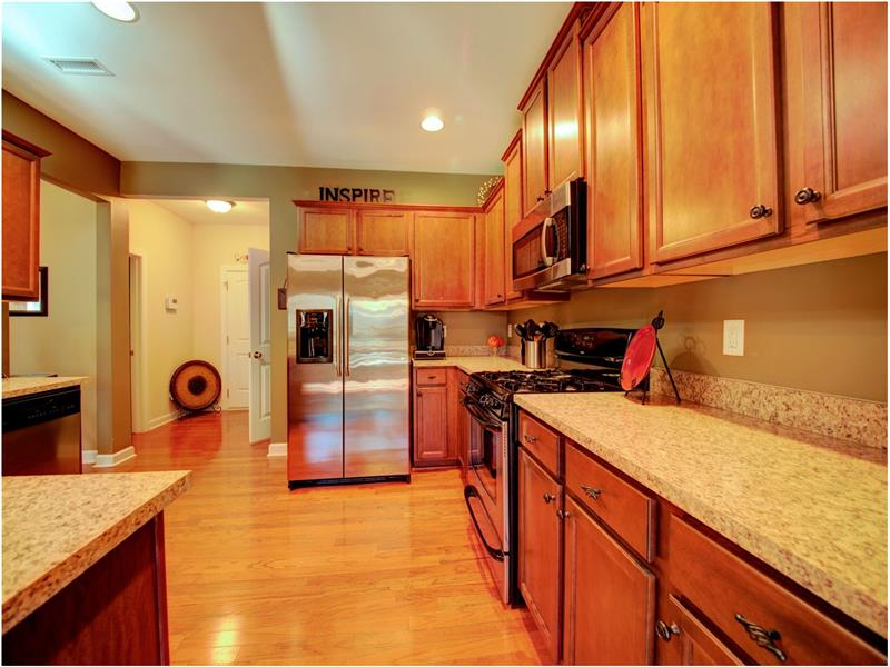 Stunning and Spacious Kitchen!