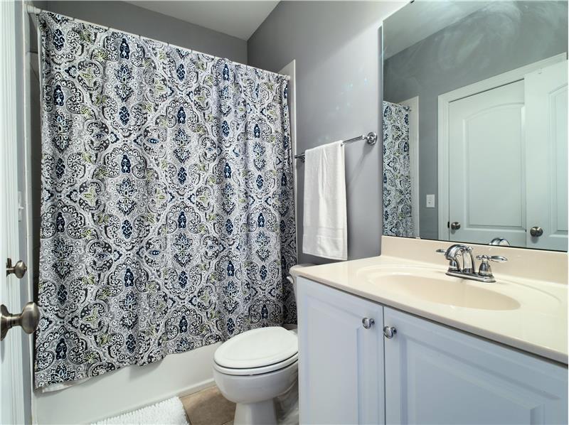 En Suite Bathroom #2