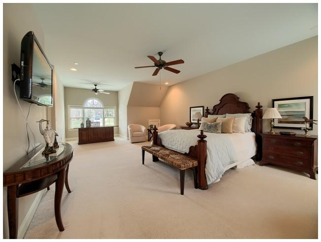 Oversized Master Bedroom with Sitting Area