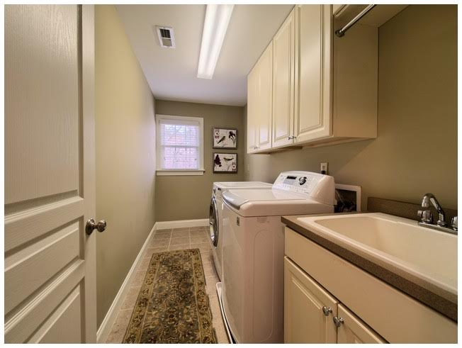 Very Large Laundry Room on 2nd floor