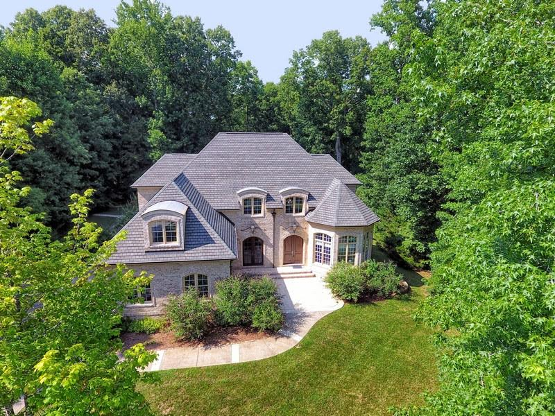 Gorgeous Aerial View of Home at 1125 Lake Valley