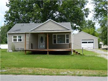 1411 Leininger Rd, Fairfield, IL