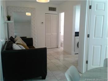 1526  Pennsylvania  204, Miami Beach, FL