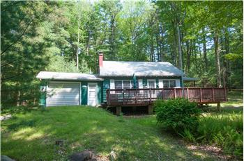 112 Cottage Road, Tafton, PA
