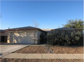 Primary listing photos for listing ID 416251