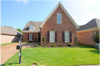 1096 Mirror Lake Lane, Cordova, TN