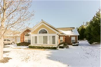 1801 Appling Oaks Circle 83, Cordova, TN