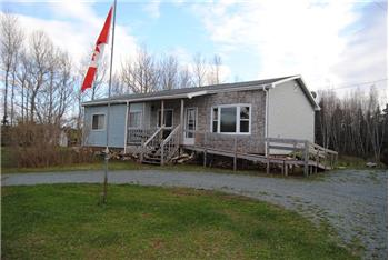 9952  Hwy 215, South Maitland, NS