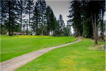 8th fairway looking at tee box from property