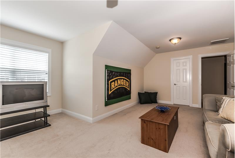 Bonus room with walk-in closet can serve as a 5th bedroom.