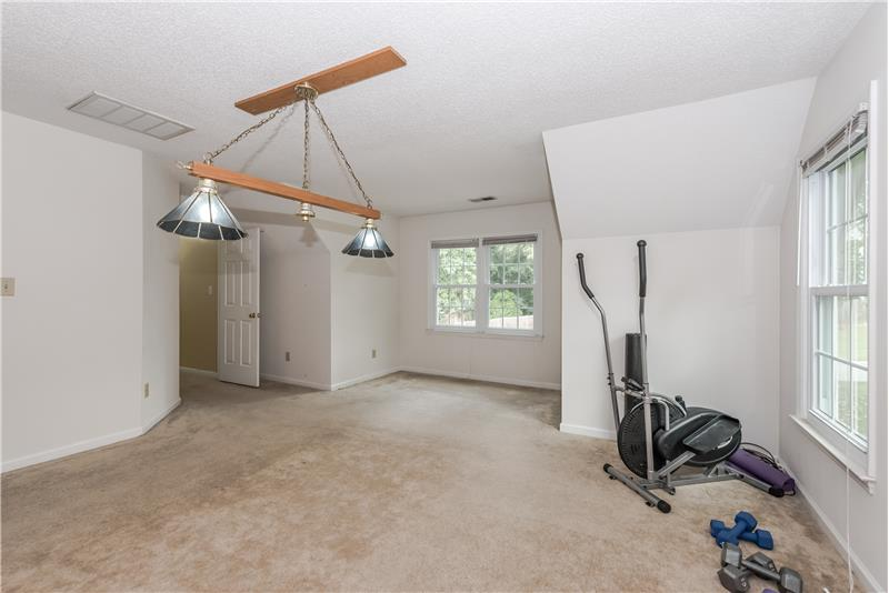 Great flex space for the fourth bedroom/bonus room; new carpet.