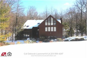 2 Laurelwood Dr, New Fairfield, CT