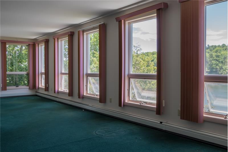 ... quite possibly the largest master bedroom suite in all of Brunswick! Room for a seating area and then some!