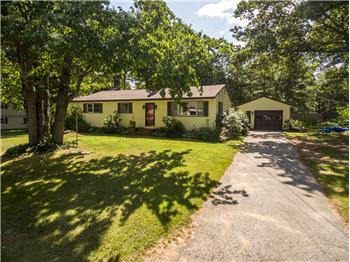 Welcome to 65 Hennessey Avenue in beautiful Brunswick!